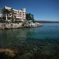 L'esprit côte d'azur à Opatija, avec ses hôtels de luxe au bord de l'eau, et sa magnifique plage de rochers