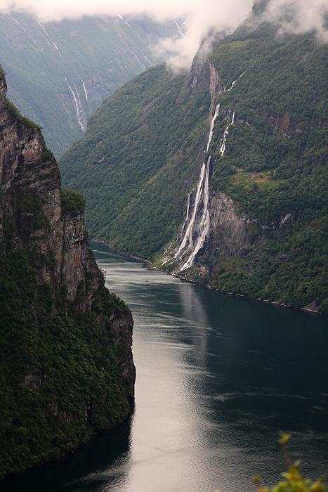 ainsi que la vue sur le fjord