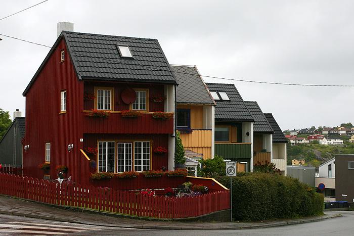 quelques maisons colorées