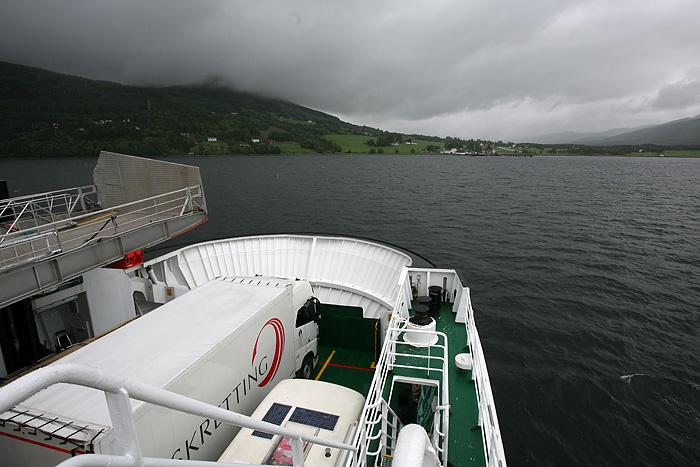Nous prenons un ferry