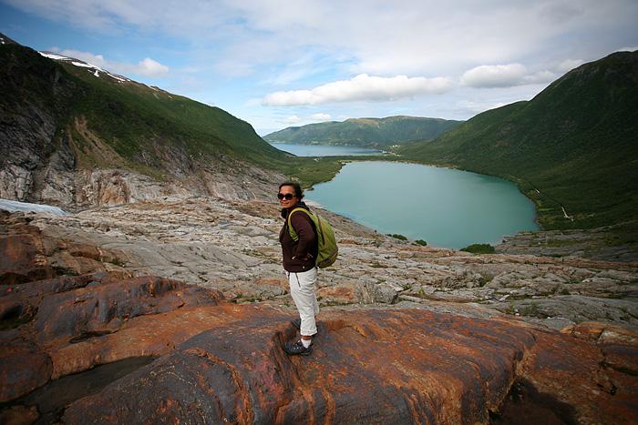 la vue sur le lac et le fjord est époustouflante