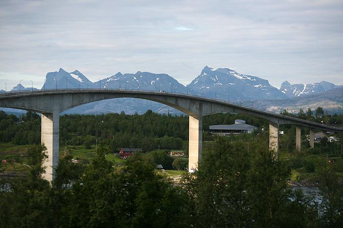 Le pont au dessus du fjord