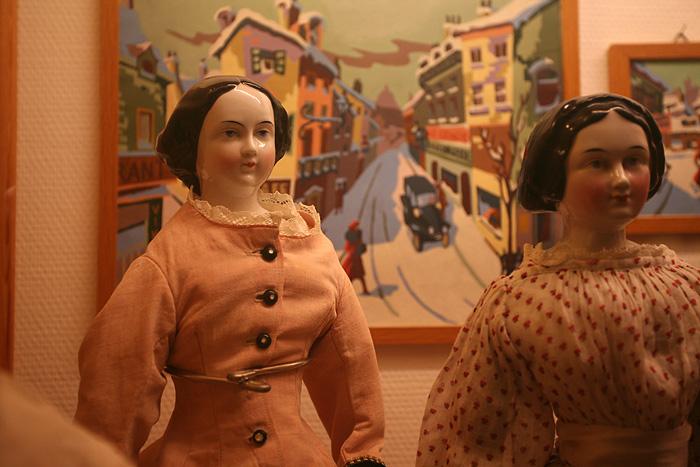 la plus vieille poupée du musée : 1830