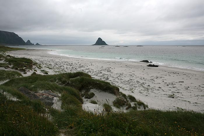 il y'a même une plage de sable ici