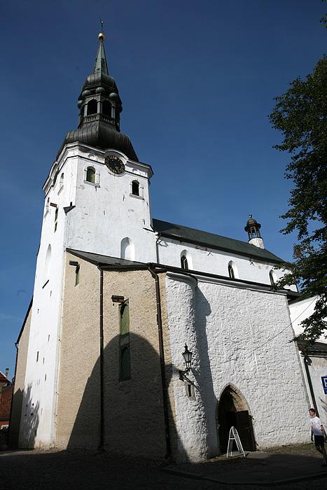 On continue par l'église du dôme, luthérienne