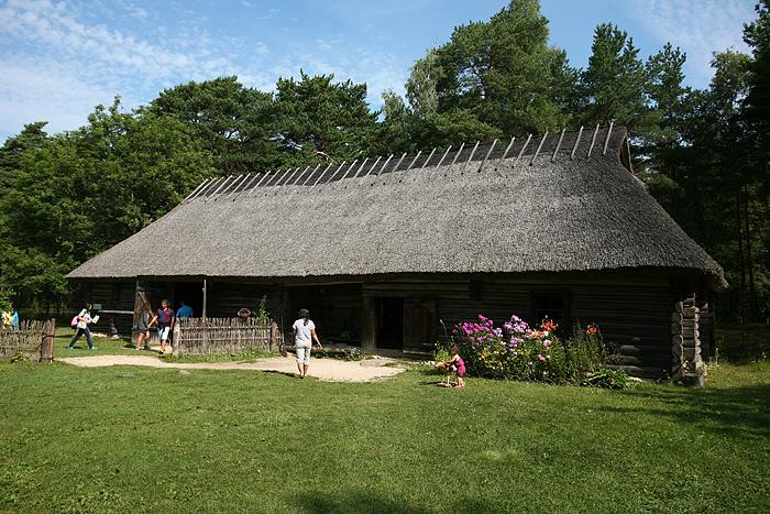 De vraies maisons historiques ont été reconstituées ici