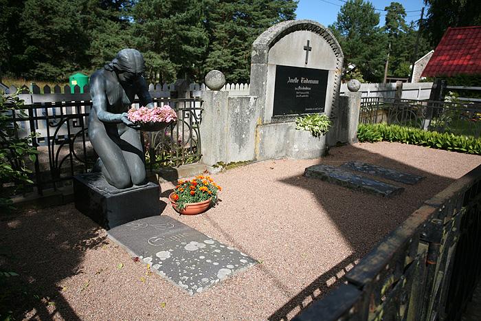 Avec certaines tombes qui sont assez originales