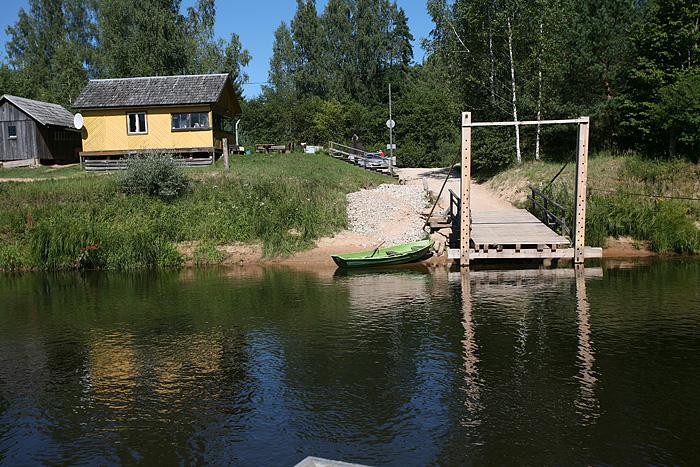 L'arrivée de l'autre côté de la rivière