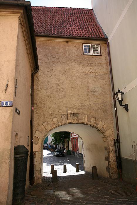 """La porte suédoise, seule porte d'accès au """"vieux Riga"""" encore présente"""
