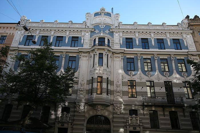 Encore une superbe façade art nouveau