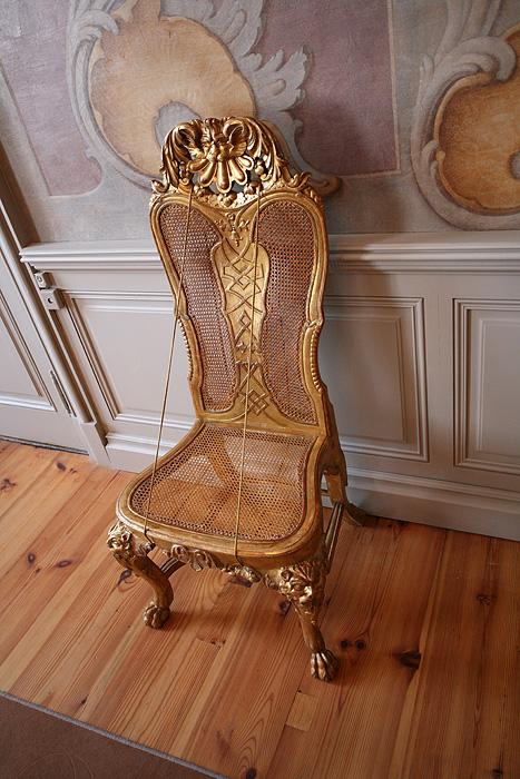 Sobre la chaise