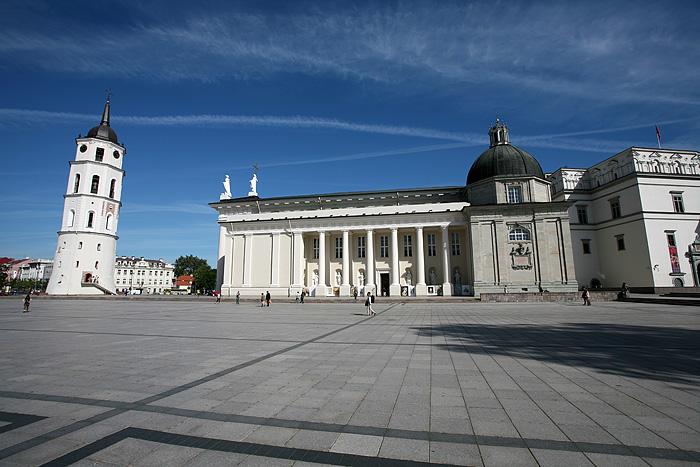 La Cathédrale de Vilnius et le beffroi