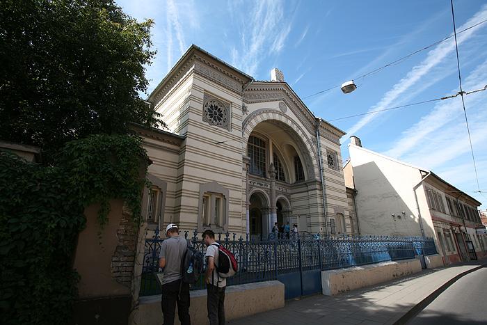 La seule synagogue (sur les plus de 100) qui a survécu à la seconde guerre mondiale et à l'époque soviétique.