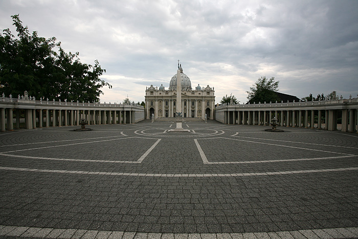 Le Vatican est carrément reproduit au 1:15