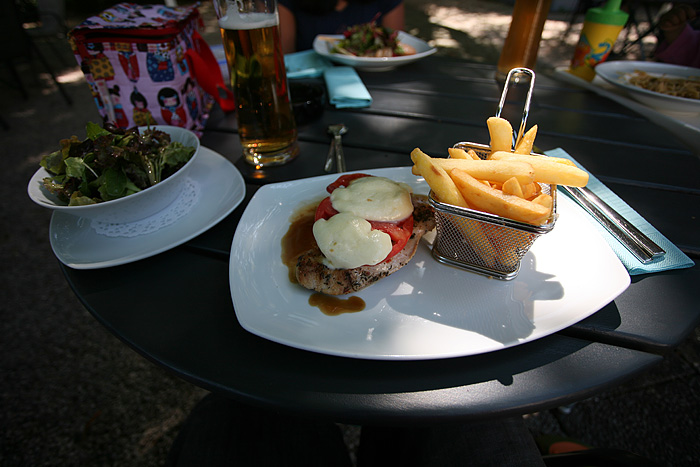 On commande des plats autrichiens (enfin, moi)