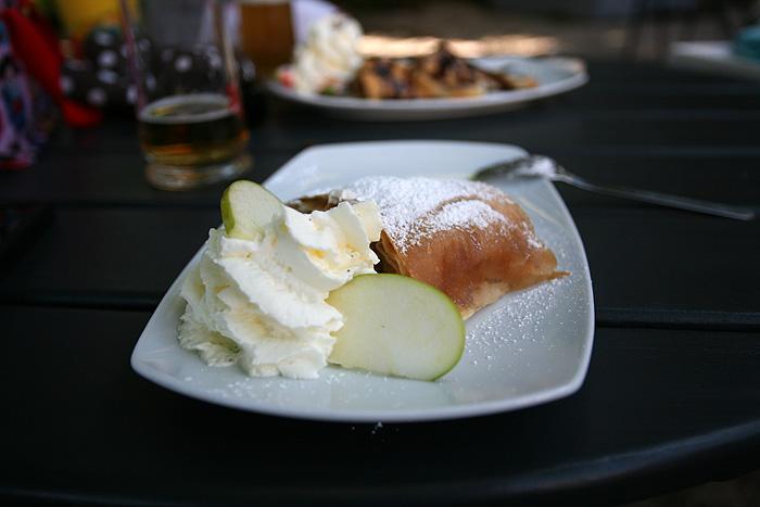 Et un dessert autrichien (un Apfelstrudel)