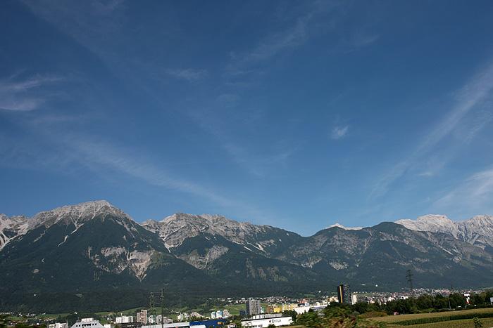 Ne serait-ce que pour ces montagnes, ça vaut la peine.