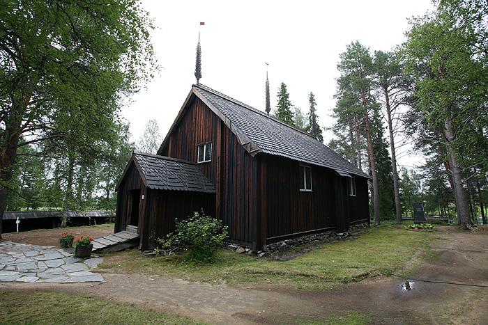 L'église abriterait sous son plancher, les corps momifiés des prêtres de la région et de leurs familles (on n'est pas entrés pour vérifier...)
