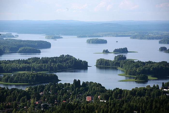 Quand on voit ce spectacle, on se dit que la Finlande c'est un énorme gâchis : un potentiel de dingue, mais caché derrière des forêts !